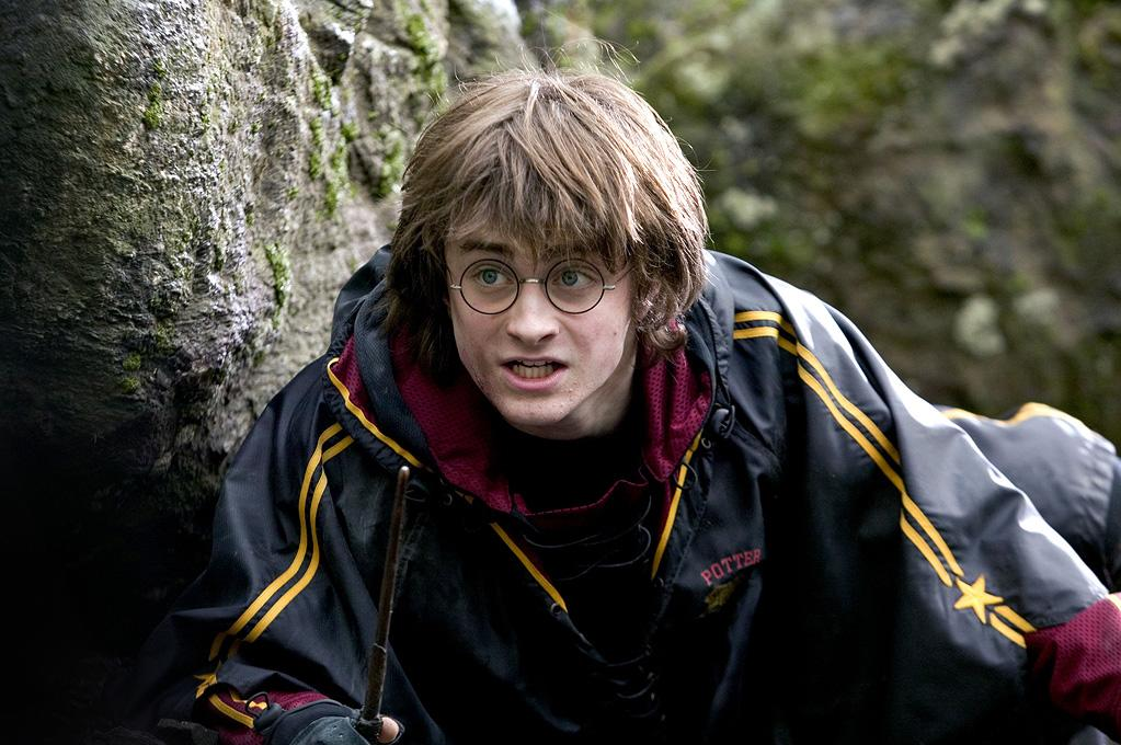 """MOVIE: """"<a href=""""http://movies.yahoo.com/movie/1808475610/info"""">Harry Potter and the Goblet of Fire</a>"""" (2005)  AGE: 16"""