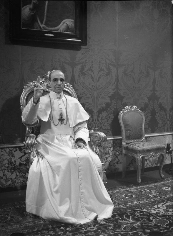 No 'smoking gun' in wartime archives of Pius XII on Holocaust, Vatican says