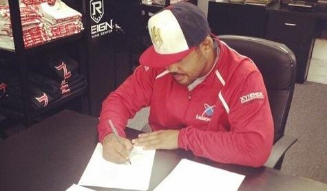 Mark Munoz Signs New Four-Fight UFC Contract