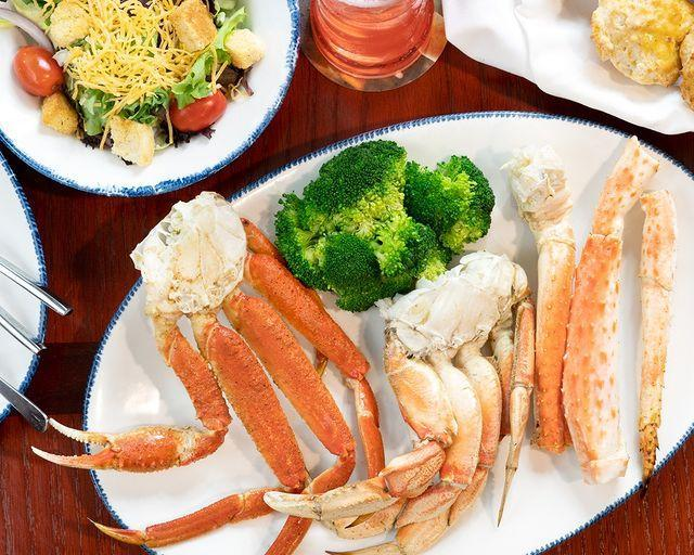 "<p>Step away from the Cheddar Bay biscuits (no small feat, we know), and it's easy to stay keto, as seafood and fish are awesome proteins. Choose items like the steamed lobster and crab legs, or grilled shrimp and scallops, for a diet-friendly treat.</p><p><a href=""https://www.instagram.com/p/B0vcm3inf00/"" rel=""nofollow noopener"" target=""_blank"" data-ylk=""slk:See the original post on Instagram"" class=""link rapid-noclick-resp"">See the original post on Instagram</a></p>"