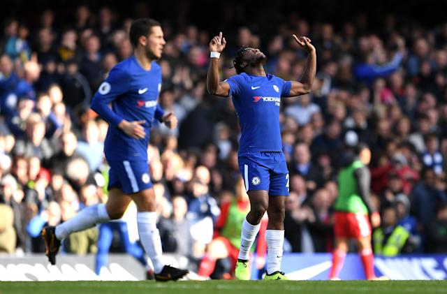 Michy Batshuayi celebrates making it 2-2