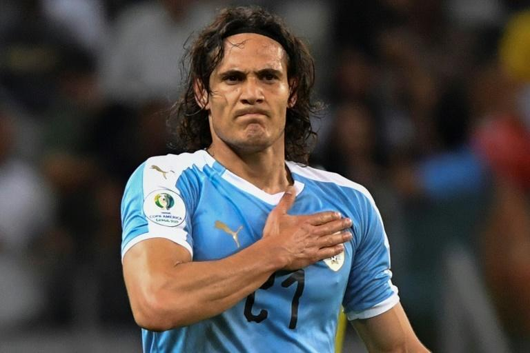 Cavani left out of Uruguay squad for World Cup qualifiers