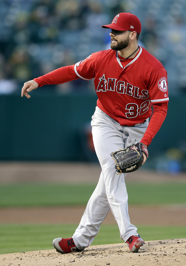 Los Angeles Angels pitcher Cam Bedrosian works against the Oakland Athletics in the first inning of a baseball game Tuesday, May 28, 2019, in Oakland, Calif. (AP Photo/Ben Margot)