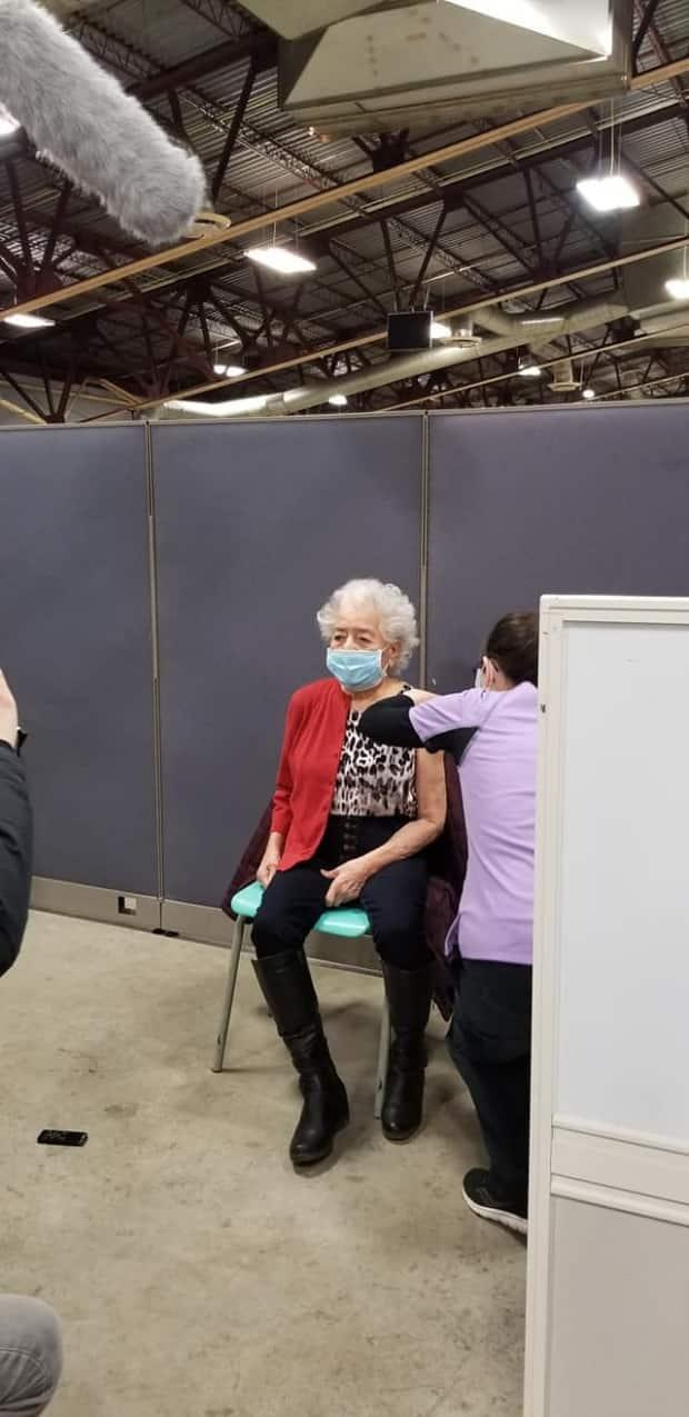 Kahnawake's vaccination clinic opened on March 4, with 90-year-old Warisó:se Myrtle Bush being the first elder to receive the shot. (Submitted by Jenny Kjono - image credit)