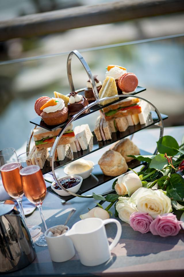 "<p>While away Sunday afternoon over a pot of tea and diddy sarnies. There are lots of Mothering Sunday afternoon teas up and down the country. We like the sound of the Champagne included <a href=""http://www.scarlethotel.co.uk"">The Scarlet Hotel's</a> offering, which costs £37pp. There's also an on-site hot tub if you want to spoil her even more…</p>"