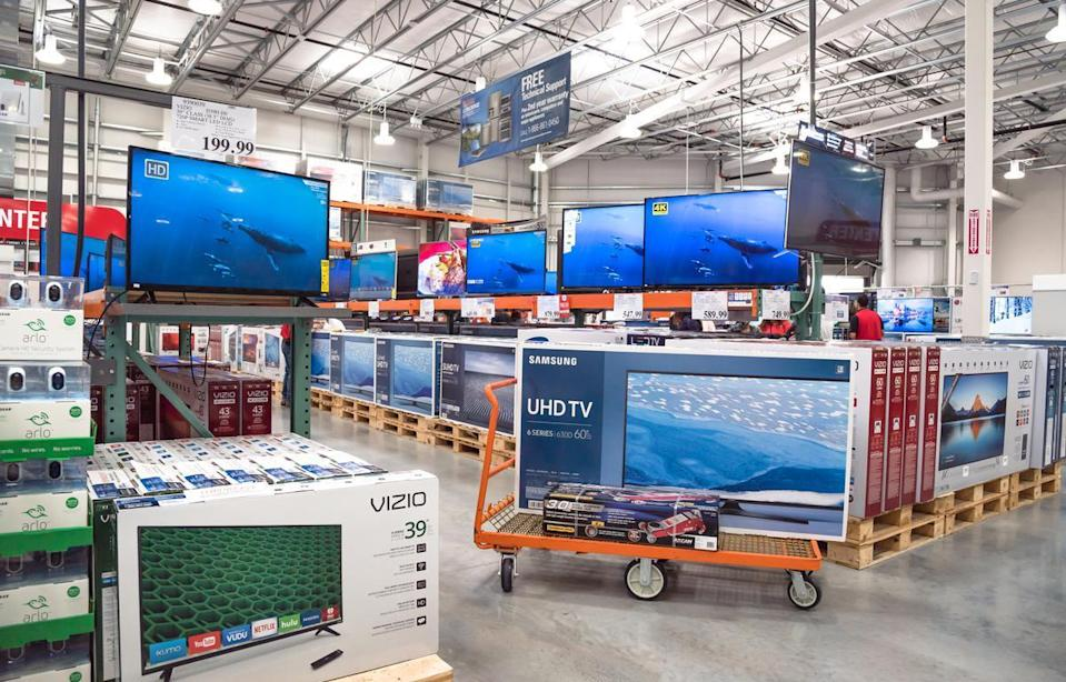 <p>All electronics purchased at Costco come with free technical support for members seven days a week from 8 a.m. to 1 a.m Eastern (5 a.m. to 10 p.m. Pacific) at the help number 1-866-861-0450, with the exception of holidays. All you have to do is make sure you have your membership number, purchase date, item number, serial number and model information on hand.</p>