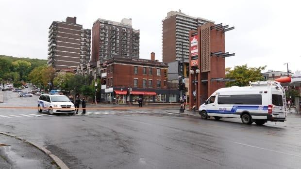 The collision occurred at the intersection of Mount Royal and Parc avenues. (Mathieu Wagner/Radio-Canada - image credit)
