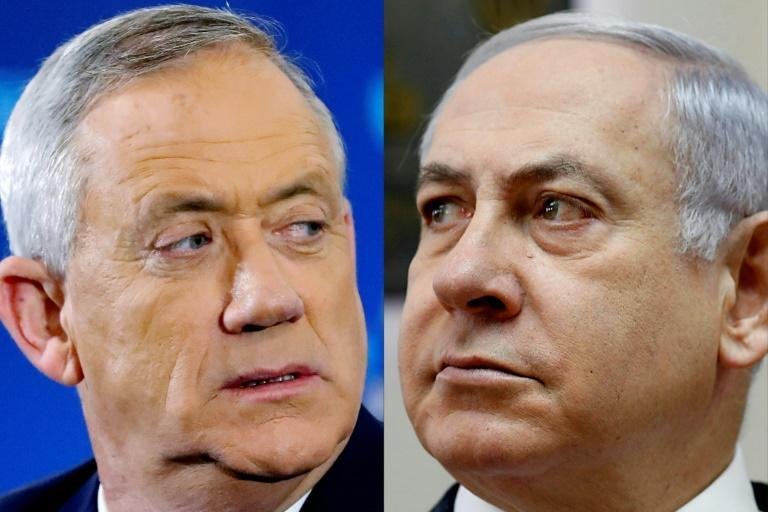 Israeli Defence Minister Benny Gantz (L) and Israeli Prime Minister Benjamin Netanyahu ruled in a coalition that was undermined by mutual acrimony and mistrust