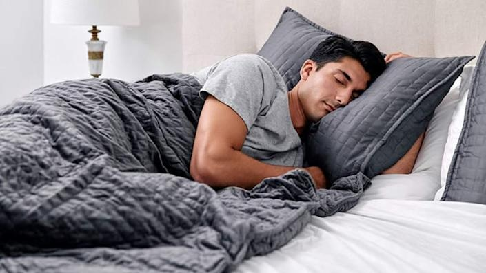 The best gifts for men: Gravity Weighted Blanket