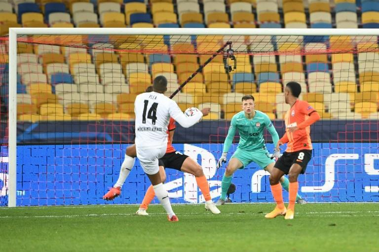 Alassane Plea smashes home on the way to a hat-trick in Borussia Moenchengladbach's 6-0 destruction of Shakhtar Donetsk in Kiev