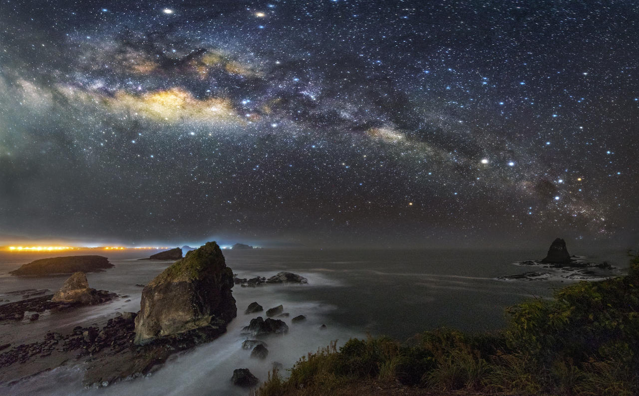 <p>Some of steves other night sky photography Papuma – Malaysia. (Photo: Steve Lance Lee/Caters News) </p>