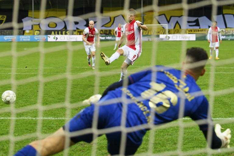 Delano van Crooij had to pick the ball out of his net 13 times in the all-time record Eredivisie defeat