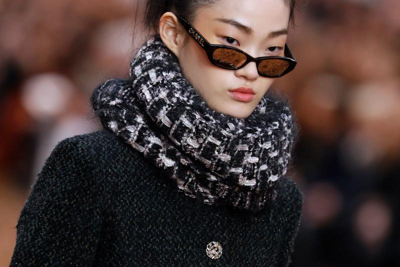 Chanel Fall 2018 includes infinity scarves, emblematic of the mid-2000s and