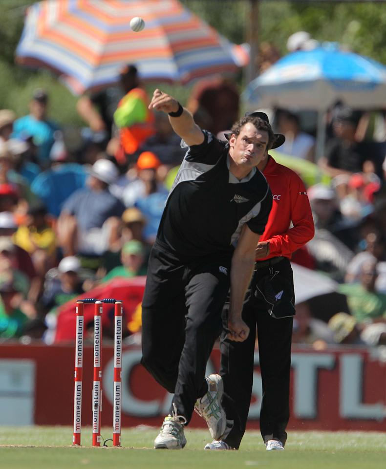 PAARL, SOUTH AFRICA - JANUARY 19:   Kyle Mills of New Zealand bowls during the 1st One Day International match between South Africa and New Zealand at Boland Park on January 19, 2013 in Paarl, South Africa. (Photo by Carl Fourie/Gallo Images/Getty Images)