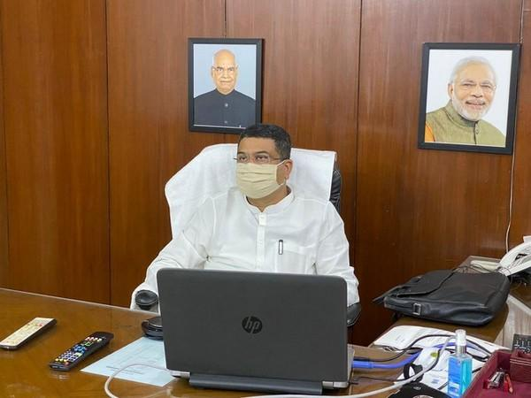 Union Minister Dharmendra Pradhan in meeting to review condition of crude vessel MT New Diamond. [Photo: Twitter/@PetroleumMin]