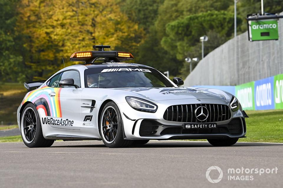 "El Safety Car recorre Imola<span class=""copyright"">Mark Sutton / Motorsport Images</span>"