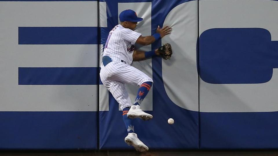 Johneshwy Fargas Mets slams into fence at Citi Field May 2021