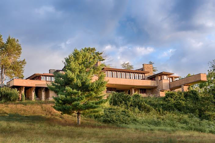 "<div class=""caption""> Taliesin, sited in the Wisconsin River Valley, is the 37,000-square-foot home, studio, school, and 800-acre estate of Wright. </div> <cite class=""credit"">Photo: Andrew Pielage</cite>"