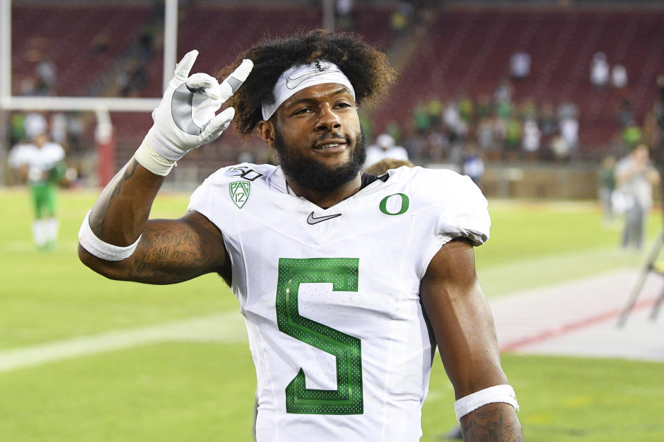 PALO ALTO, CA - SEPTEMBER 21: Oregon (5) Kayvon Thibodeaux (DE) celebrates after a college football game between the Oregon Ducks and the Stanford Cardinal on September 21, 2019, at Stanford Stadium in Palo Alto, CA. (Photo by Brian Rothmuller/Icon Sportswire via Getty Images)