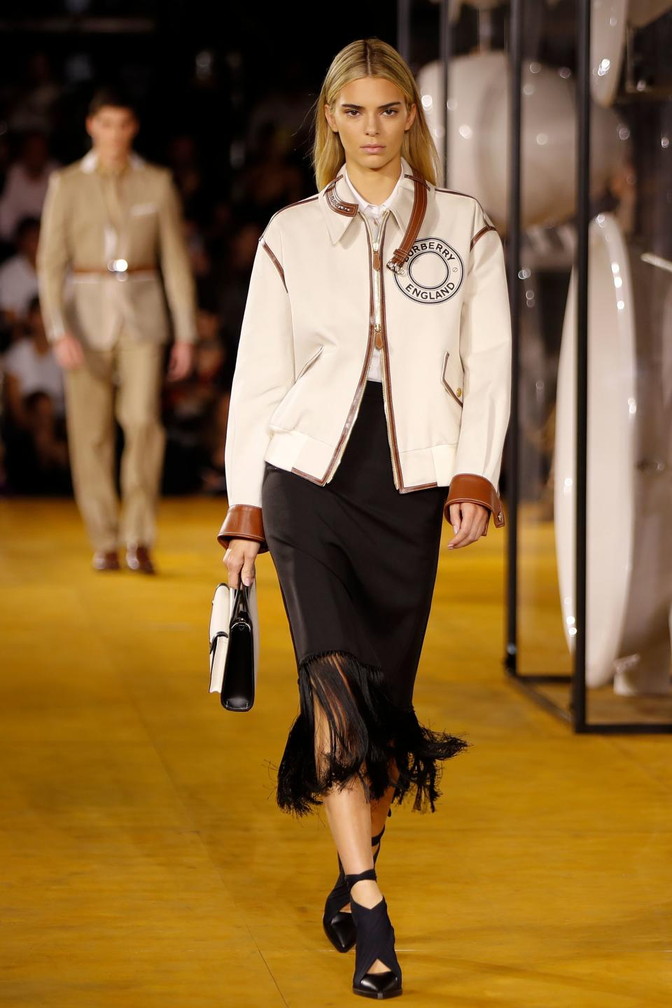 Kendall Jenner made a return to the runway with new blonde locks at Burberry's spring/summer 2020 show. [Photo: Getty Images]