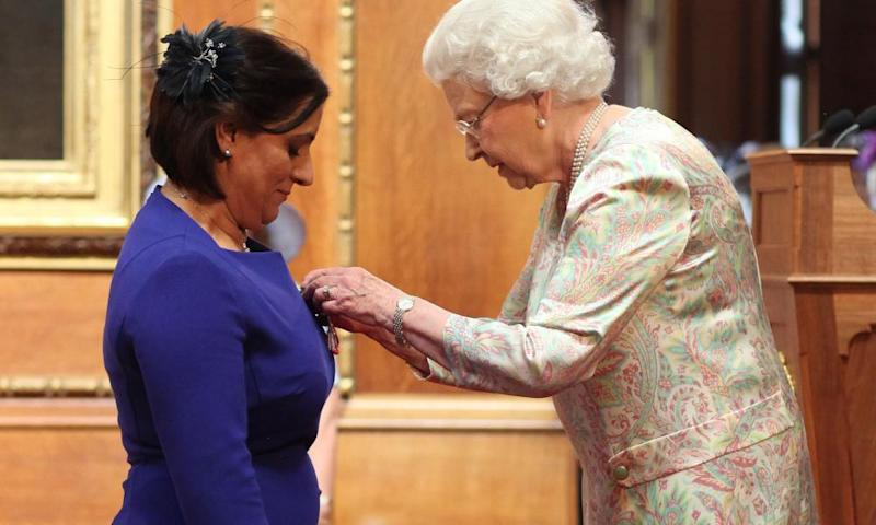 Nighat Hubbard receives her MBE from the Queen