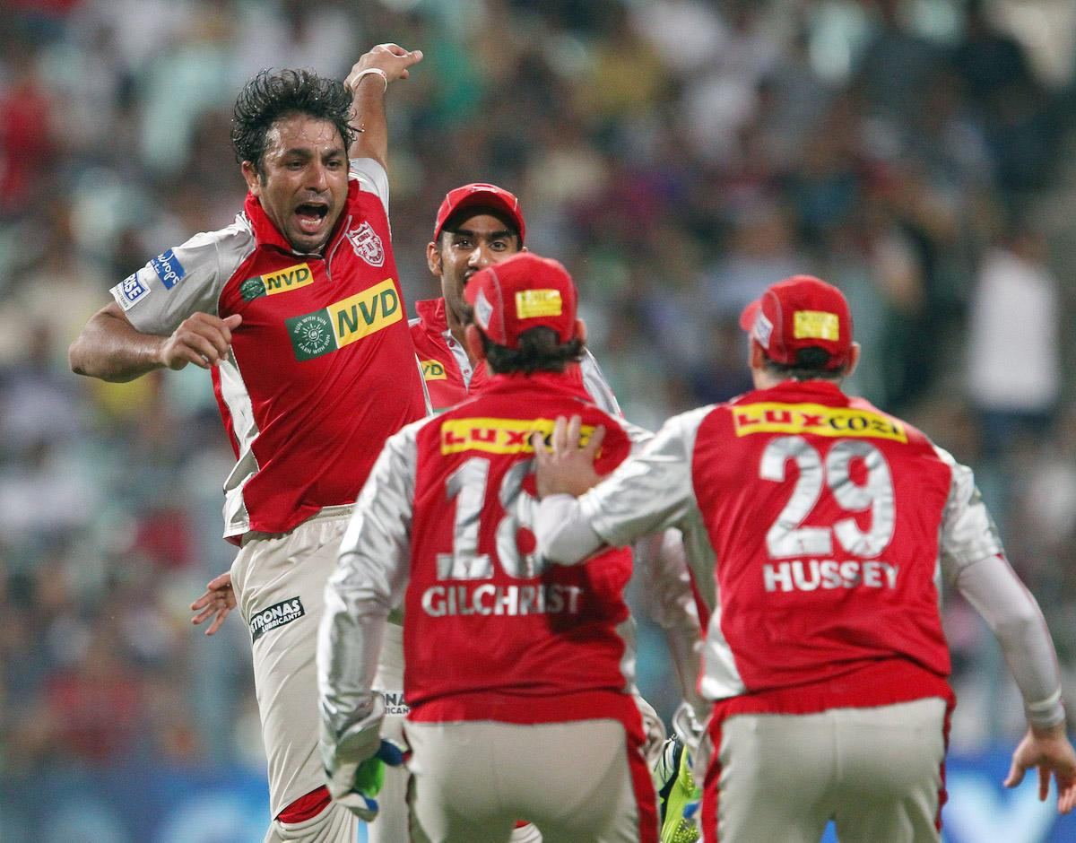 Azhar Mahmood celebrates the wicket of Yusuf Pathan during match 35 of the Pepsi Indian Premier League between The Kolkata Knight Riders and the Kings XI Punjab held at the Eden Gardens Stadium in Kolkata on the 26th April 2013. (BCCI)