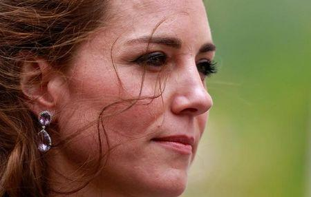 Kate Middleton anuncia terceira gravidez