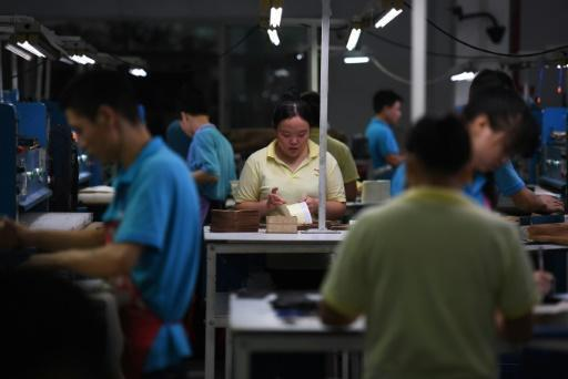 China manufacturing down for 1st time in 11 months: Caixin