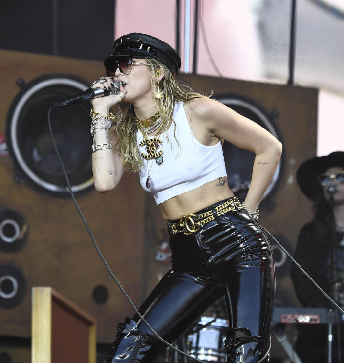 March 5th 2020 - Country music stars donate time, services and money to assist in Nashville, Tennessee tornado relief efforts. - File Photo by: zz/KGC-138/STAR MAX/IPx 2019 6/30/19 Miley Cyrus performing in concert at The Glastonbury Festival, Worthy Farm in Pilton, Somerset, England, UK.