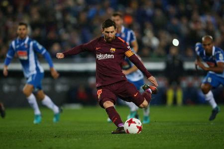 Soccer Football - Spanish King's Cup - Espanyol vs FC Barcelona - Quarter-Final - First Leg - RCDE Stadium, Barcelona, Spain - January 17, 2018 Barcelona's Lionel Messi takes a penalty that is saved REUTERS/Albert Gea