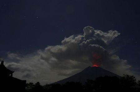 Mount Agung: AirAsia flights from Perth to Bali cancelled due to volcano