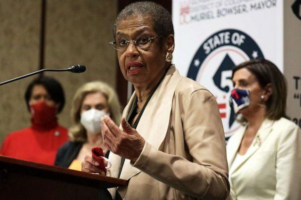 PHOTO: U.S. Rep. Eleanor Holmes Norton speaks as DC Mayor Muriel Bowser, Rep. Carolyn Maloney, and Speaker of the House Rep. Nancy Pelosi listen during a news conference on District of Columbia statehood June 25, 2020 on Capitol Hill in Washington, DC. (Alex Wong/Getty Images)