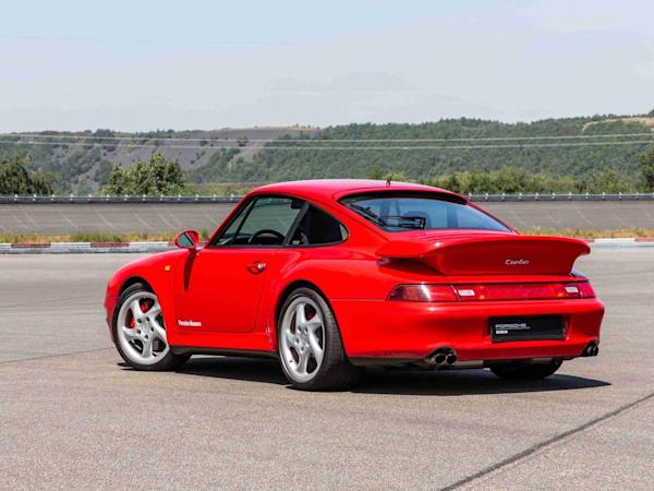 電影《驚天動地60秒》(Gone in 60 Seconds)中的保時捷911 Turbo(Type 993)。
