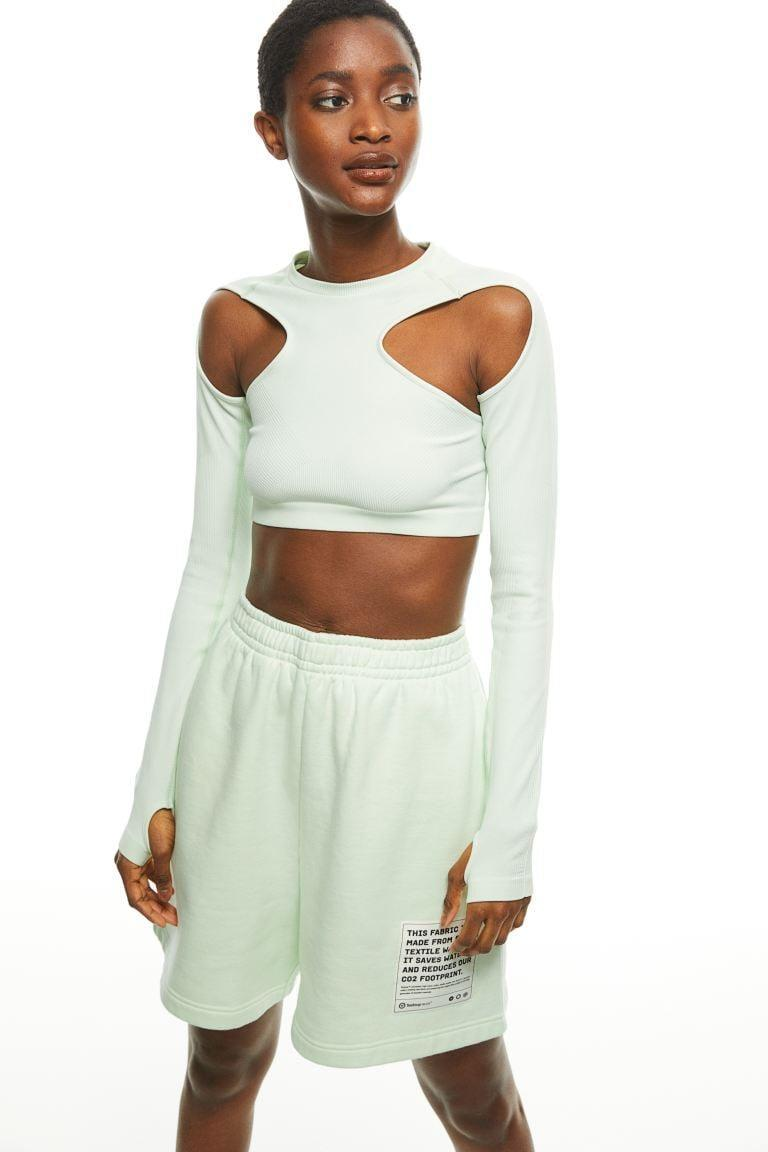<p>If you're looking for a new take on a classic top, go with this <span>H&amp;M Seamless Crop Top</span> ($34).</p>