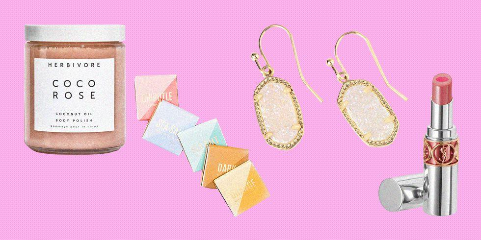 <p>Crafty DIY projects might have cut it for Mother's Day when you were a kid. But there's a more adult way to treat her on her special day, while still sticking to a budget: It's called the best Mother's Day gifts under $50. These small but beautiful gifts aren't just affordable-they're ones she'll actually use, too.</p>