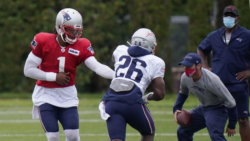 Patriots training camp: Defense shines as offense's issues continue