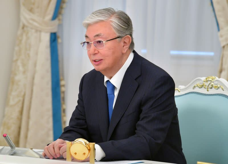 Kazakh president threatens to sack cabinet if COVID-19 efforts fail
