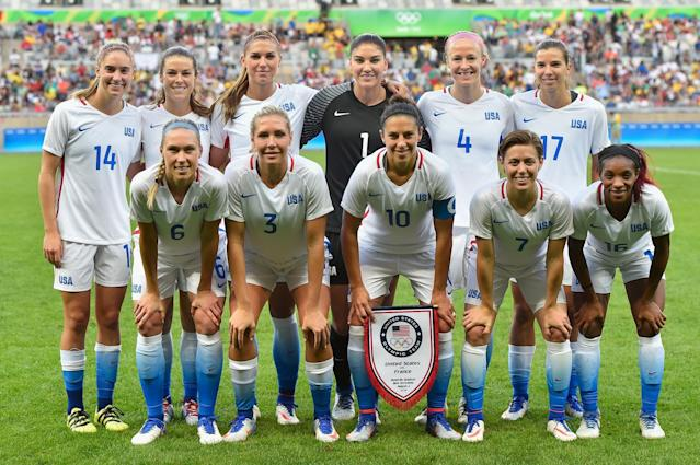 <p>United States poses for a photo during the Women's Group F first round match between United States and France during Day 1 of the Rio 2016 Olympic Games at Mineirao Stadium on August 6, 2016 in Belo Horizonte, Brazil. (Photo by Pedro Vilela/Getty Images) </p>
