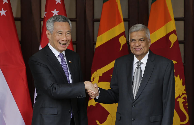 Singapore PM visits Sri Lanka, nations OK free trade deal