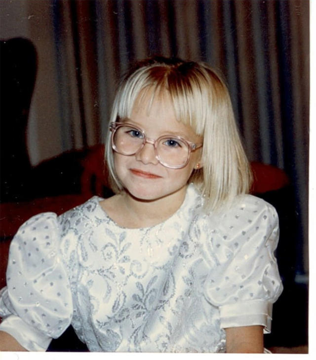 """<p>""""Late to the game but never tardy to a party, here you go,"""" Bell captioned this photo of herself in a puffy-sleeved dress and big glasses. Too cute for words! (Photo: <a href=""""https://twitter.com/IMKristenBell?ref_src=twsrc%5Egoogle%7Ctwcamp%5Eserp%7Ctwgr%5Eauthor"""" rel=""""nofollow noopener"""" target=""""_blank"""" data-ylk=""""slk:Kristen Bell via Twitter"""" class=""""link rapid-noclick-resp"""">Kristen Bell via Twitter</a>) </p>"""