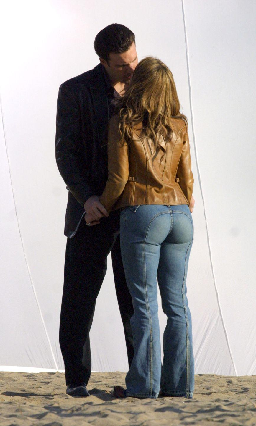 <p>With the semi-circle seams at the butt, Jennifer Lopez's jeans remind us of those '70s Levi's that were no-back-pockets-needed.</p>