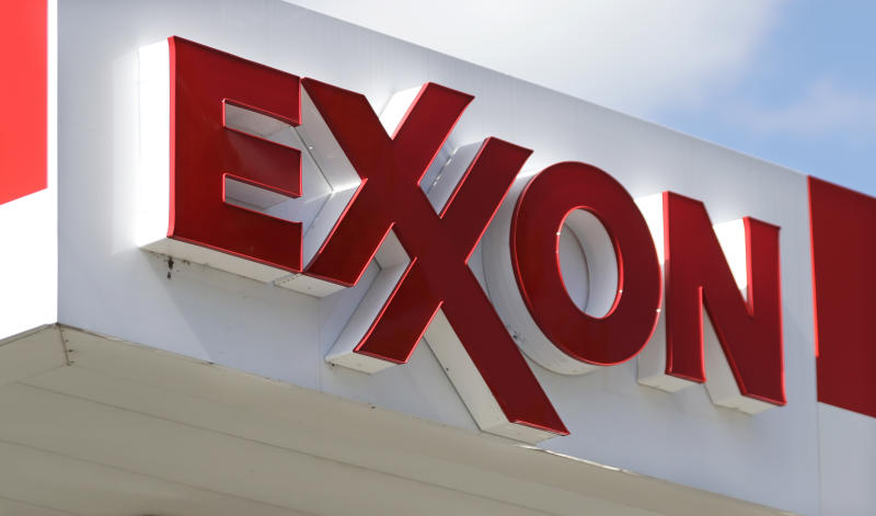 Harding Loevner LP Cuts Position in Exxon Mobil Co. (XOM)
