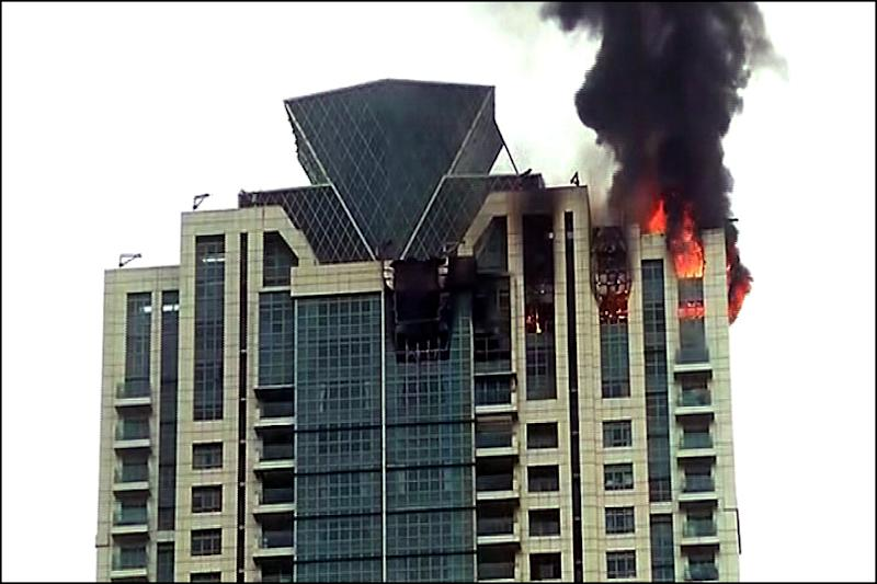 90 Evacuated From Blazing High-Rise in Mumbai, Resident Deepika Padukone Tweets She is Safe