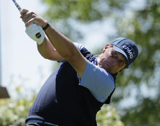 Phil Mickelson Accuses Rivals of Cheating Ahead of The Masters
