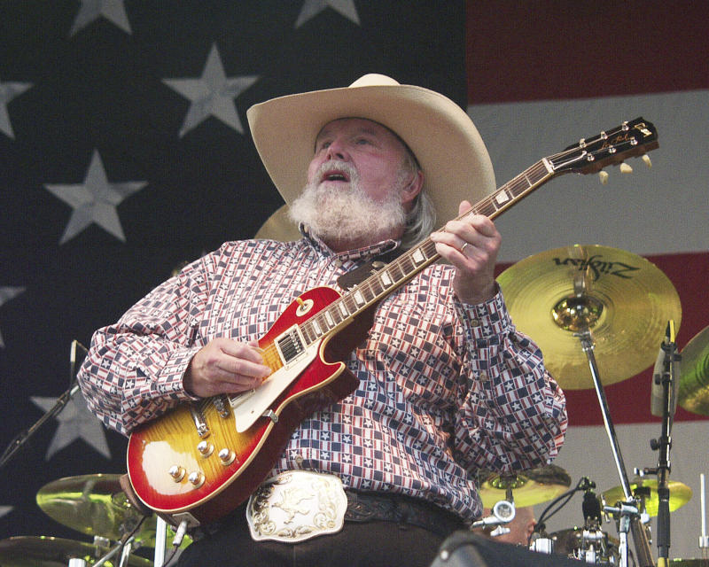 ***FILE PHOTO*** Country Music Legend Charlie Daniels Has Passed Away at 83. JULY 5: Charlie Daniels of the Charlie Daniels Band performs at Centennial Olympic Park in Atlanta, Georgia on July 4, 2002. CREDIT: Chris McKay / MediaPunch /IPX