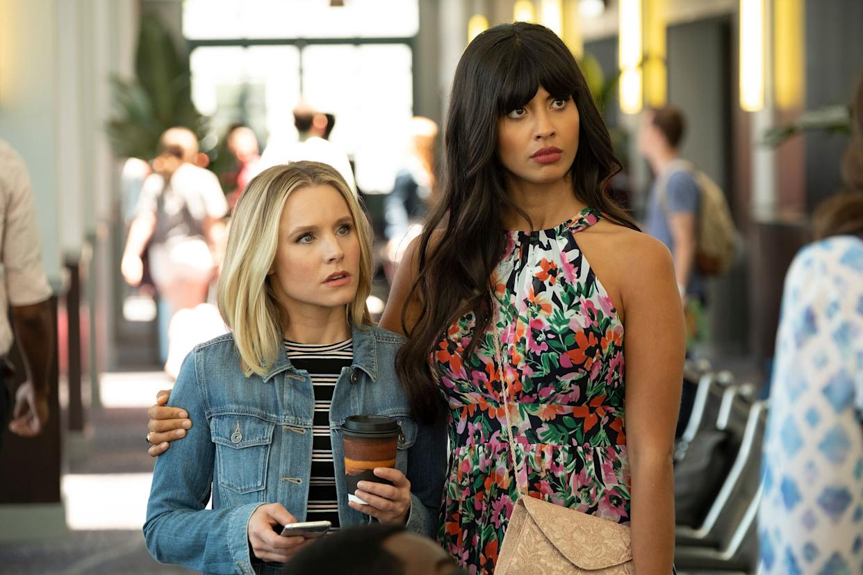 """Kristen Bell as Eleanor, Jameela Jamil as Tahani in an episode of """"The Good Place.' (Photo: NBC via Getty Images)"""