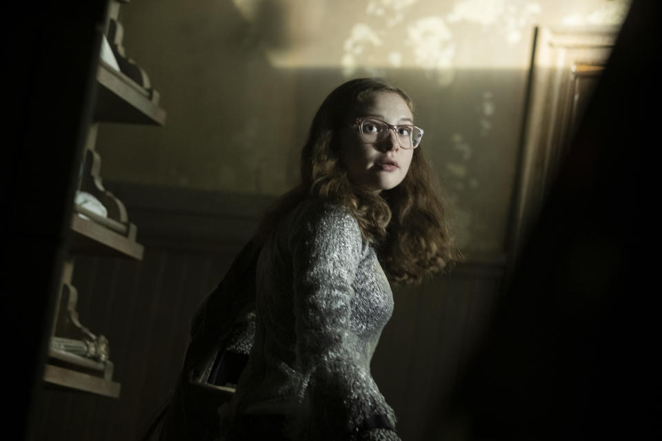 Zoe Colletti as Stella in horror movie 'Scary Stories to Tell in the Dark'. (Credit: eOne)
