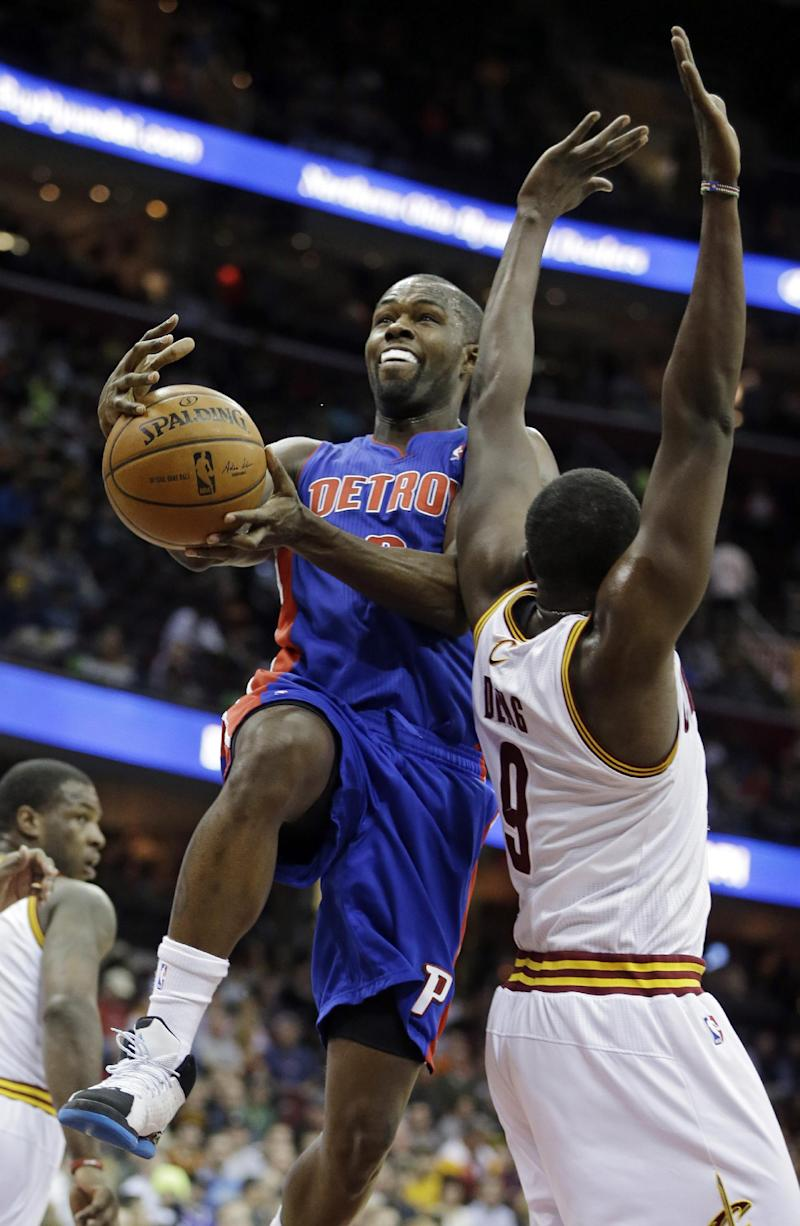 Cavs rout Pistons 122-100, fall short of playoffs