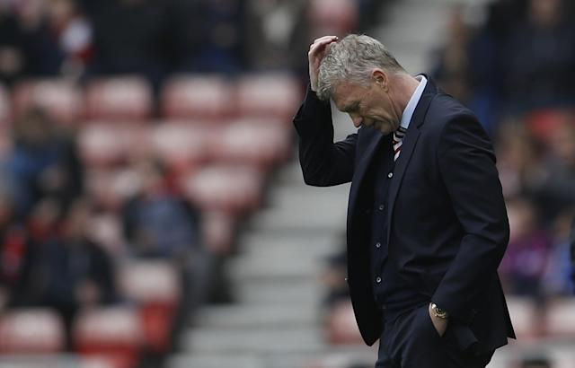<p>Sunderland manager David Moyes looks dejected </p>
