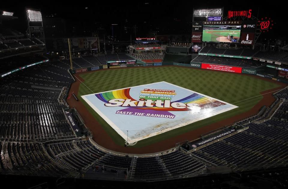 The Nationals and Cubs didn't agree over Friday's postponement. (AP)